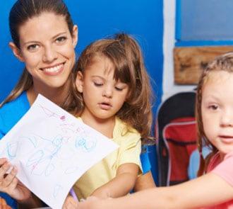 estudiar auxiliar de educación infantil