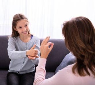 Descubre el curso de lengua de signos